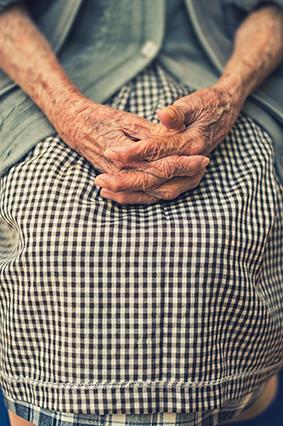 Beneficis del servei d'atenció a domicili per a persones grans - 48a47-a--via.jpg