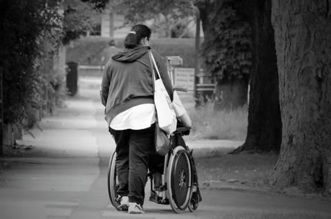 T'ajudem a sol·licitar l'ajuda pel programa d'atenció social a les persones amb discapacitat (PUA 2020) - 9f4f4-help-164755.jpg